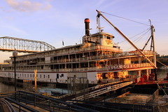 The Delta Queen just before Sunset (SeeMidTN.com (aka Brent)) Tags: chattanooga tn tennessee steamboat tennesseeriver coolidgepark deltaqueen nationalhistoriclandmark nrhp bmok deltaqueenhotel coolidgeparklanding
