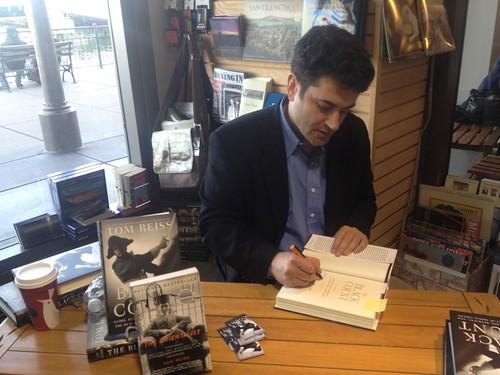 Tom Reiss book fan photo