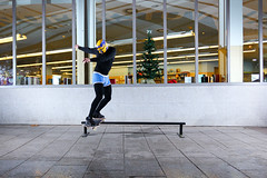 Luchadores mexicanos en Barcelona (EsteveSegura) Tags: street nude navidad board rail player semi mexican skate disfraz luchador mexicano patin calzoncillo streetboard patinar strobist blibioteca yn560