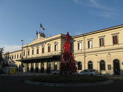 La Spezia (Italy), Central Station (photobeppus) Tags: laspezia stations stazionecentrale centralstation railways buildings architectures