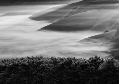 _DSC6514 (Giuseppe Cocchieri) Tags: blackwhite bw blackandwhite bianconero hill hills colline collina mountain montagna mist frog nikon nikkor nebbia landscape paesaggio earth terra n