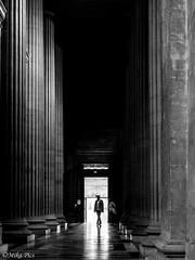 Pantheon 03 (mika.pics) Tags: blackandwhite bnw noiretblanc noir light paris perspective dark parisien pantheon france silhouette