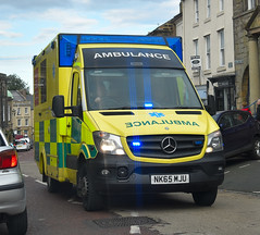 NK65MJU (Cobalt271) Tags: nk65mju neas nhs was mercedes sprinter 519 cdi emergency ambulance