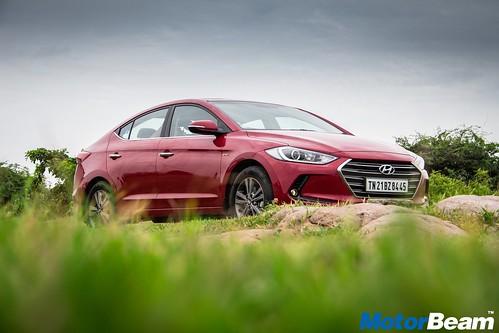 2016-Hyundai-Elantra-16
