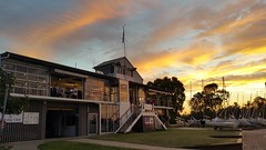 Noosa Yacht & Rowing Club (Gillian Everett) Tags: noosa yacht club river sunset 116 2016 28 golden