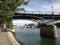 pont des arts (danamerdariu) Tags: paris pontdesarts quaidestuileries