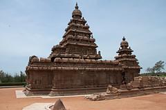 Mahabalipuram Shore Temple in Chennai, India (Chandana Witharanage) Tags: india bayofbengal chennai southindia temple daytrip explore indianocean journey tourist tour trip sightseeing sight southasia tourism unescoworldheritagecity