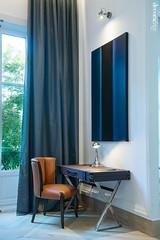 Splendeur_07 (Decoratrix.com) Tags: casadecor decoración interiorismo madrid exposición 2016 escritorio maleta silla cortina
