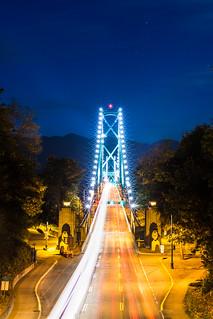 Lion Gate Bridge 星芒閃爍獅門橋