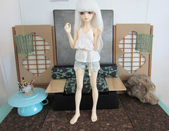 newroom (sushi-street) Tags: white ball outfit clothing doll furniture handmade room wig bjd fairyland props jointed mnf shushu minifee