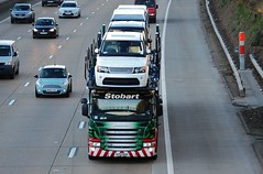 Eddie Stobart 'Aly Wynn Carolyn' (stavioni) Tags: car truck carolyn motorway automotive rover lorry land eddie trailer wynn range aly transporter m25 scania esl chertsey stobart p420 a9308 ay12aoo