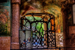 The gate to originality - Casa Milà # 4, Antoni Gaudí (JoLoLog) Tags: barcelona spain modernism catalonia canoneos20d catalunya casamilà lapedrera moshe antonigaudí gothicstyle eixampledistrict geniusarchitect 92passeigdegràcia