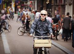 Sparta.. (Vicktor Abrahams) Tags: street city holland art 20d amsterdam bike canon walking flickr dof bokeh walk candid canon20d streetphotography netherland streetphoto cinematographer 70300mm cinematic tamron vicktor bokehlicious tamronsp70300mmf456divc
