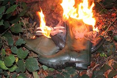 IMG_9948 (sim_hom) Tags: burning wellies