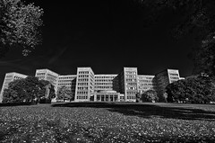 Uni Frankfurt (v.ph.j. (busy)) Tags: bw university frankfurt sw universität hdr pseudoir tokina1116mm photoengine