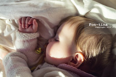 Charming baby taking an afternoon nap (Fon-tina) Tags: sleeping people baby horizontal photography lights bed bedroom shadows ombre persone indoors beb innocence casual resting charming fotografia relaxation eyesclosed dormire letto lyingdown babyhood sdraiato babyclothing affascinante innocenza cameradaletto handonchin threequarterlength colourimage rilassamento riposarsi occhichiusi babiesonly trequarti capellibiondi lyingonside onebabygirlonly abbigliamentoinvernale primainfanzia ambientazioneinterna composizioneorizzontale sdraiatosuunfianco immagineacolori soltantoneonati abbigliamentodaneonato solounneonatofemmina neperson
