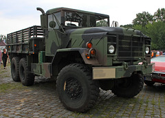 M923 (Schwanzus_Longus) Tags: street mag show hannover hanover am general m939 m923 flatbed cargo truck lorry lkw laster lastwagen military army america american big boxy classic freight german germany huge rig transport us usa vehicle fahrzeug auto outdoor
