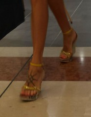 Street feet (631) (♠I Love Feet & Shoes♠) Tags: street sexy feet lingerie tights heels highheels sandali scarpe piedi sandals shoes chaussures pieds sandales schuhe sandalen füse ноги сандалий ботинок туфля pie zapatillas sandalias pés πόδια sapatos παπούτσια sandálias σανδάλια calcanhares каблуки mules huf hoof casco οπλή копыто stockings bas strümpfe medias meias κάλτσεσ чулки sabot pantyhose