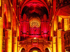 Organ and Light (red)... (Ody on the mount) Tags: anlsse architektur farben fototour kirchen licht orgeln ornamente pfeifen sulen gelb rot
