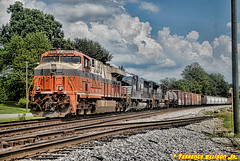 """Creamsicle Adding Color"" NS 173 8/28/16 (tjtrainz) Tags: ns norfolk southern 173 manifest train doraville ga georgia piedmont division greenville district int interstate es44ac 8105 heritage sd75m ex bnsf atsf sd70m2 ge general electric emd electro motive"