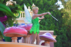 Mickey's Soundsational parade in Disneyland. Tinkerbell chained down so she doesn't fly away. (GMLSKIS) Tags: disney california amusementpark anaheim mickeyssoundsationalparade disneyland tinkerbell fairy