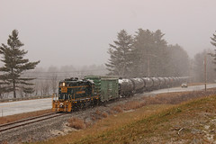 Snowy Heritage (jc_canon) Tags: mec52 panamheritage heritageunit gp9 emdgp9 lancasternewhampshire newhampshire berlinbranch bmberlinbranch newhampshirecentral newhampshirecentralrailroad oil train snow outdoor connecticutriver