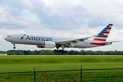 American 777 landing at Cleveland (chrisjake1) Tags: cle kcle cleveland hopkins american aal 777 772 777200 b772 n754an 777223 777223er
