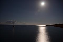 Velero en Sa Punta de n'Amer (Cala Millor) (Jumaik) Tags: spain luna nocturna mallorca amer sacoma puntadenamer
