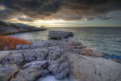 Rocky Sunset (marcovdz) Tags: sunset sea mer seascape france clouds marseille rocks provence nuages paysage hdr coucherdesoleil rochers 3xp samena samna
