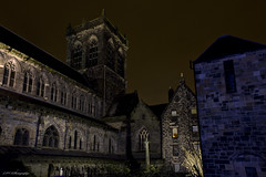 Paisley Abbey, Round The Back (KeyGripBoy) Tags: nightphotography architecture scotland scenery paisley kirk floodlights paisleyabbey