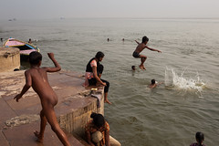 Fun, Varanasi (Marji Lang) Tags: life voyage travel india playing water childhood kids composition river children fun happy photography jump jumping funny eau child play candid indian joy dive streetphotography documentary happiness diving compo holy frame varanasi enfants moment capture happykids hindu oldtown kashi indien oldcity joie timeless saut ganga inde ganges decisive ghats banaras fleuve streetshot benares benaras sauter childrenplaying northindia gange plouf uttarpradesh travelphotography northernindia indiankids plonger ef247028l indiansubcontinent indedunord godaulia intemporel bnars gowdolia canoneos5dmarkii gaudolia marjilang oldvaranasi