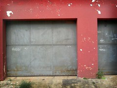 door urban metal minas gerais decay steel garage... (Photo: Ivan Jerônimo on Flickr)