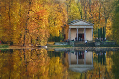 like in the mirror ;) (green_lover (your COMMENTS are welcome!)) Tags: arkadia dianatemple park poland autumn fall pond water history reflection architecture reflections