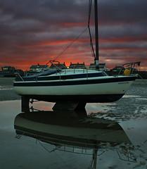 Niteflite (Mal 1005) Tags: beach boat wirral meols beacheslandscapes