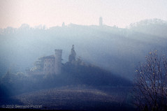 where there are the enchanting places... / da dove sorgono i luoghi incantati... (Germano Pozzati) Tags: castle fog places nebbia castello luoghi monferrato enchanting flickraward incantati