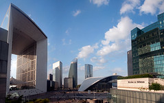 La Défense II (Gabriel Sperandio) Tags: panorama france frankreich europa europe îledefrance frança panoramic panoramica francia ladéfense panoramique grandearche panorâmica panorámica ladefensa