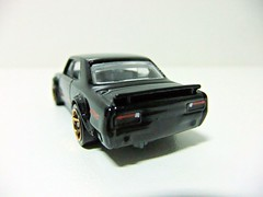 NISSAN SKYLINE H/T 2000GT-X - HOT WHEELS (RMJ68) Tags: nissan skyline ht 2000gtx hardtop 2000 gt gtx hakosuka hot wheels mattel diecast coches cars juguete toy 164 hw hotwheels