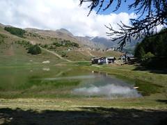 Chamois - Lago di Lod (SoniaM (Italian teacher)) Tags: italia italy valledaosta valdaosta chamois montagna montagne mountain mountains natura nature landscape lago laghi lake lakes water acqua