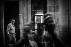 Tribute to Lee Friedlander (Javi Calvo) Tags: javicalvo salamanca autorretrato cursofotografia espejo fotografiadecalle fotografiaurbana reflejo reflex selfie spain streetphotography