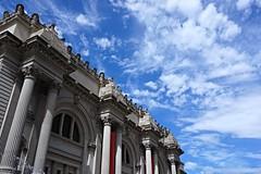 Metropolitan Museum of Art (Billy K. Chen) Tags: nyc newyork newyorkcity uppereastside metropolitanmuseumofart metmuseum museum architecture facade sky skyline clouds bluesky beautifulday