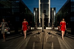 Lady in Red (Remuz59Photography) Tags: streetphotography streetphoto london canarywharf fujixpro1 voigtlnder21mmf4 color