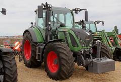 Fendt 514 vario (Philippe-03) Tags: agriculture tracteur tractors finale rgionale lindner labour bouc 03 fendt vario