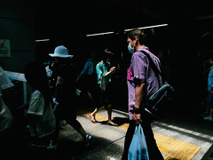 JR Tokyo Station, 2016 (librarymook) Tags: rnifilms iphone6s mobilephotography documentary everybodystreet street streetphotography streetphotographers candid dailylife japanese man woman commuting train platform crowded chiyoda tokyo japan 2016