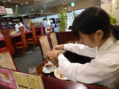 Tea from a teapot (seikinsou) Tags: japan spring rinkuutown station jr railway cafe elegant coffee tea teapot counter