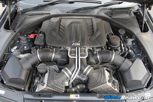 2012-BMW-M5-11