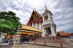 Wat Kalayanamit Bangkok tour_E10962075-021
