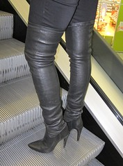 Changing boot length in shopping mall (Rosina's Heels) Tags: leather high boots thigh stiletto overknee