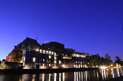 Royal Shakespeare Theatre (philipp.richter) Tags: blue england sky tourism architecture night reflections river photography lights evening long exposure theatre royal shakespeare william dude hour late standard richter philipp avon warwickshire stratforduponavon shakespearetheatre noctography mygearandme