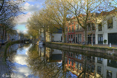 Gouda's gracht (Janslb) Tags: trees house reflection water geotagged raw gracht gouda allrightsreserved