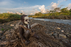 child with his face painted the Surma tribe on the river Kibish (anthony pappone photography) Tags: africa travel boy portrait sky baby white black art face barn canon river painting landscape photography facepainting eyes paint artist foto faces image expression retrato african painted fiume culture clay cielo tribes afrika omovalley ethiopia ritratto surma reportage photograher afrique bambino faccia eastafrica phototravel suri facepainted etiopia etnic whiteclay 非洲 etnico ethiopie etiope etnia argilla アフリカ loweromovalley etnica etnologia afryka childrentravel losniños etiopija portraitsofchildren 아프리카 etiopien kibish africantribe африка etiopi tulgit अफ्रीका lowervalleyomo kibishriver